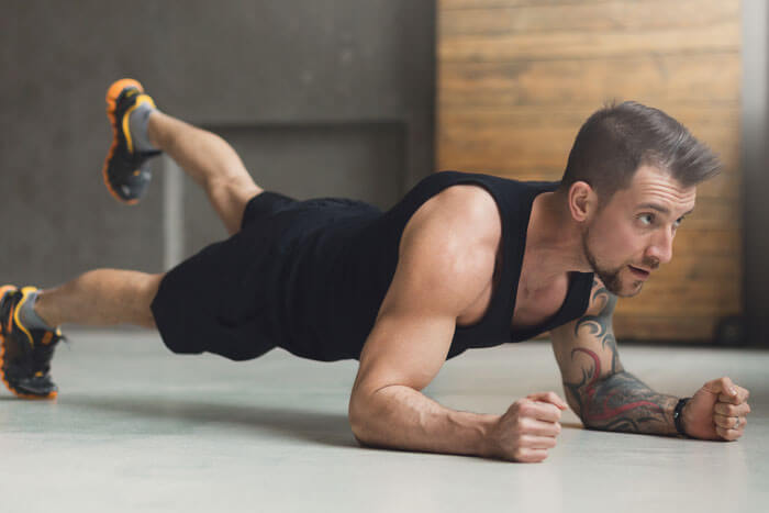 自重トレーニング 回数を重ねて徹底的に追い込む