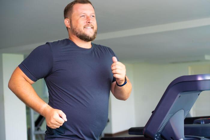 筋トレと有酸素運動を組み合わせると腹周りの脂肪が減りやすい理由