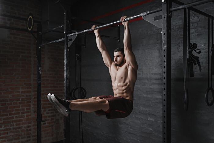 懸垂+腹筋強化の上級者向けトレーニング