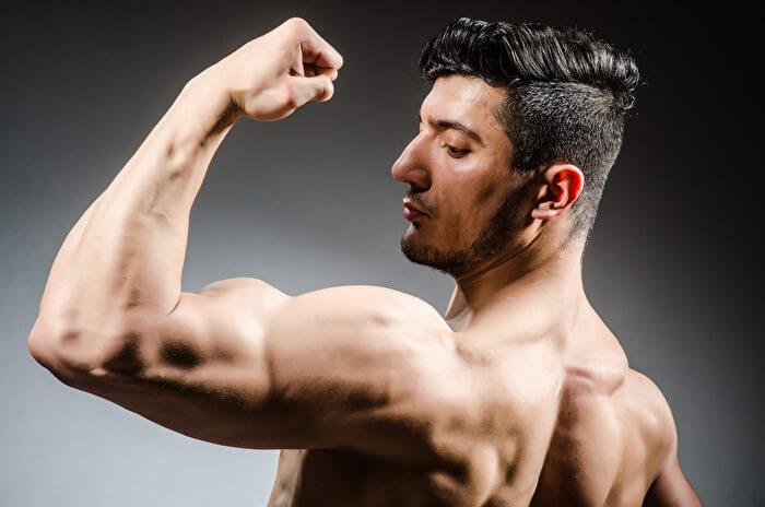 ②上腕二頭筋と腕橈骨筋を同時に鍛えて、腕全体を逞しくする